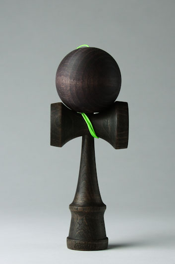black_kendama